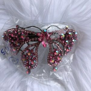 Accessories - ✨NEW✨handmade pink crystal butterfly hair clip